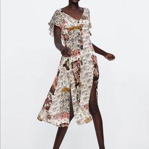 5 for $30 SALE‼️ Zara Flowy Patchwork Dress